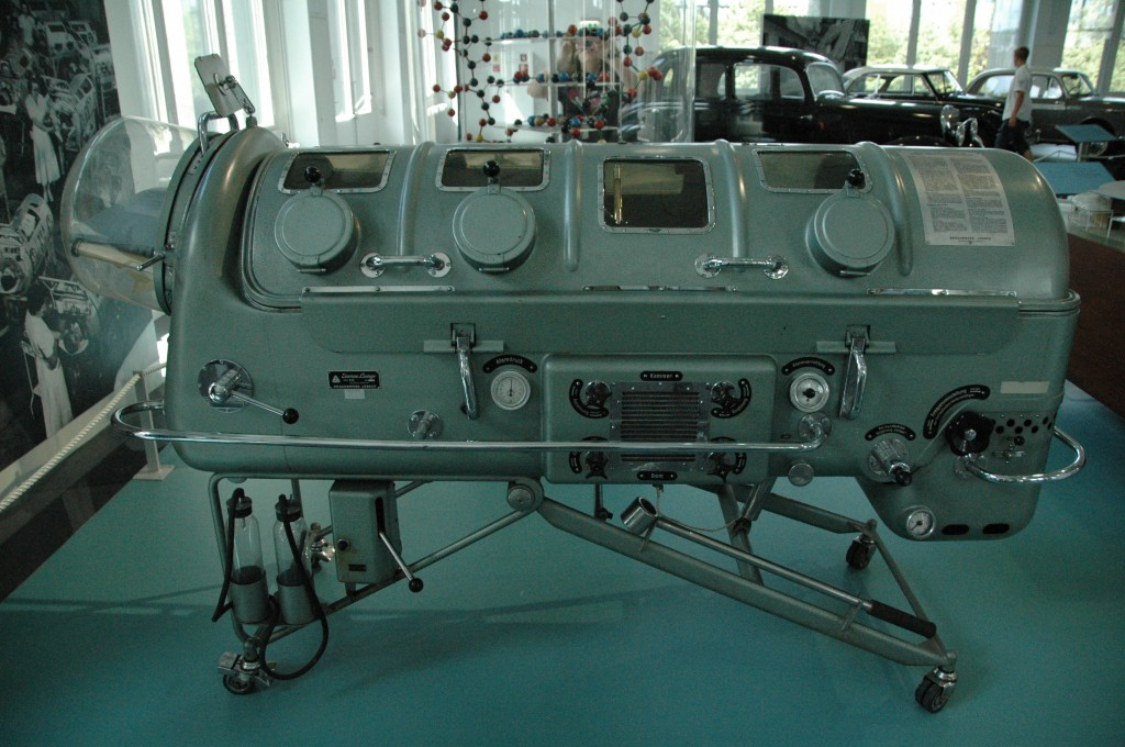 iron lung side
